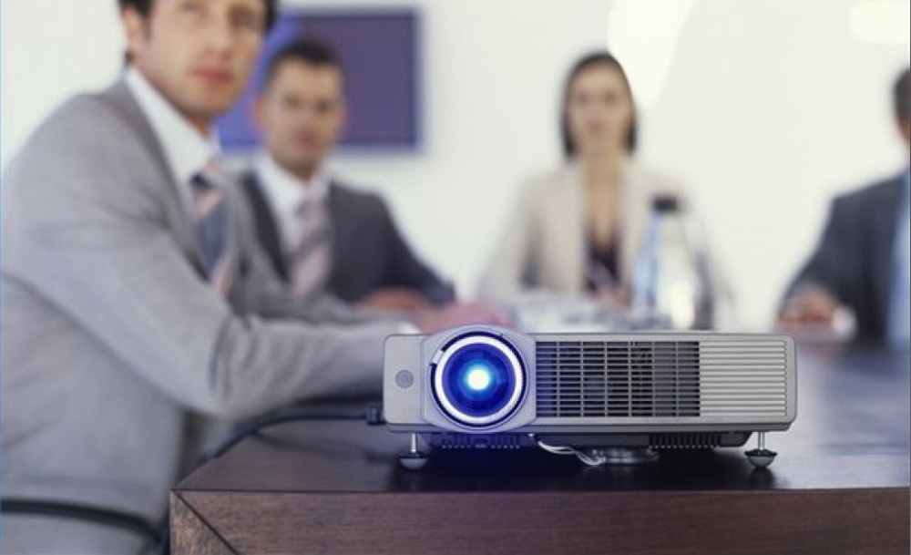 Does Projector Hire London Provide Professional Services?